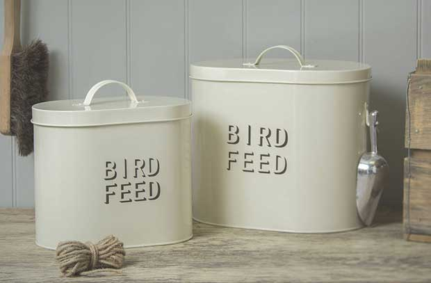 Storing bird food british bird lovers for Bird food holder