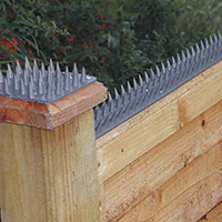 Prikka-Strip Fence Protector